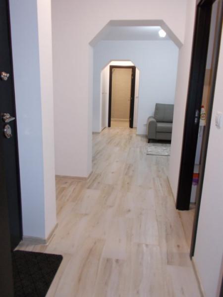 OFERTA VANDUTA - apartament 3 camere, etaj 2, micro 9 Targoviste