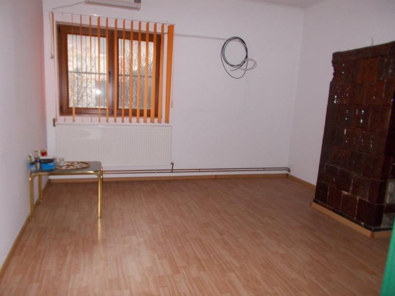 COMISION 0-Vanzare casa in Racari, jud. Dâmbovița