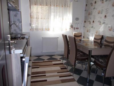 Comision 0 - Vânzare apartament 2 camere, parter, micro 4 Târgoviște
