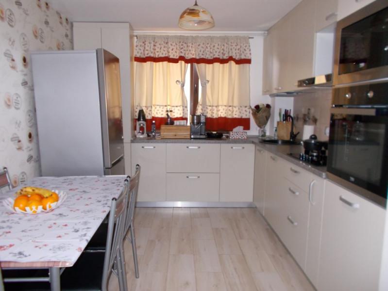 Comision 0 - Vânzare apartament 3 camere, etaj 2, micro 4