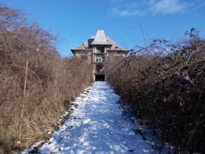Vânzare vilă tip conac + teren in Valea Voievozilor, Aleea Mănăstirii