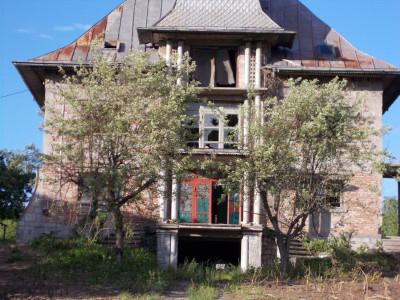 Comision 0 - Vânzare teren/casă tip conac pe Aleea Mănăstirii, jud. Dâmbovița