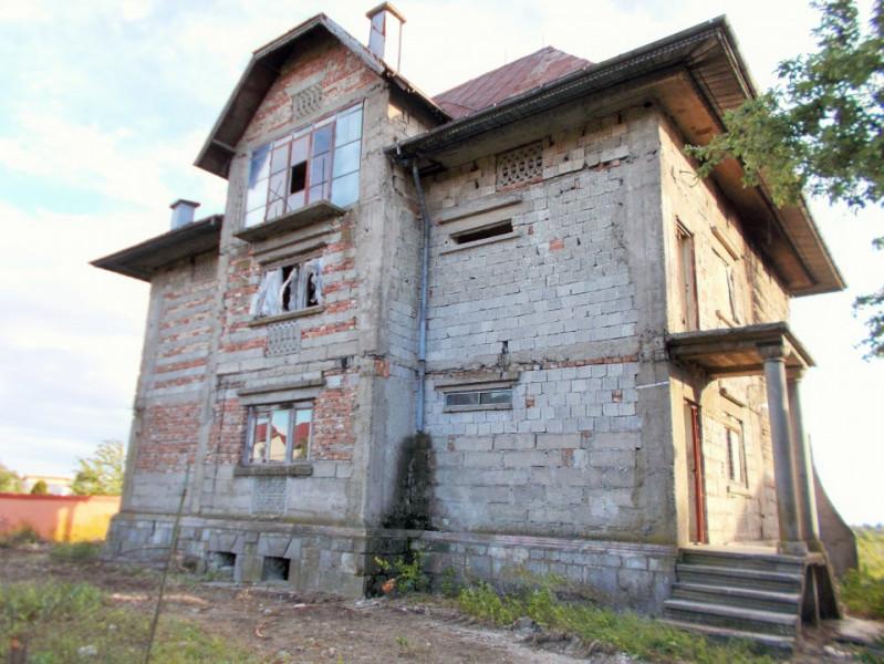 Comision 0 - Vânzare casă tip conac în Valea Voievozilor, jud. Dâmbovița