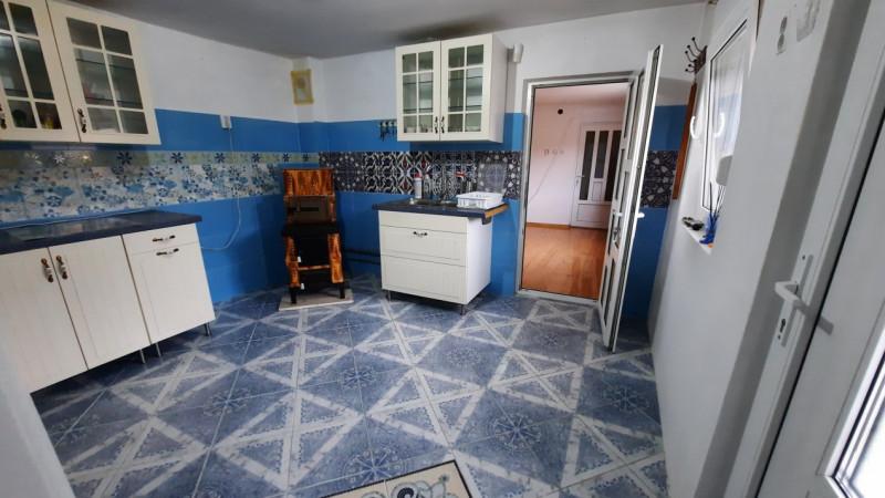 Comision 0 - Casa in com. Razvad, jud. Dambovita - 5 km de Targoviste