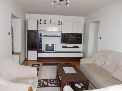 Inchiriere apartament 3 camere, foarte practic, micro 9 Targoviste
