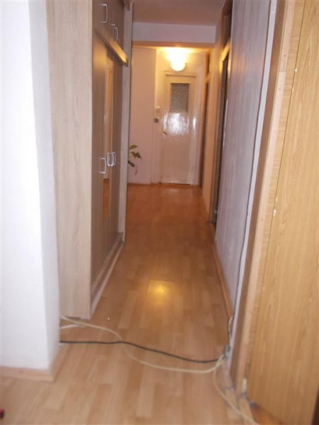 Comision 0-Vanzare apartament 4 camere micro 2 Targoviste