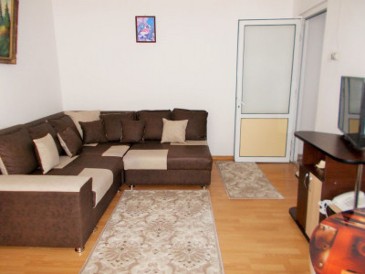 Comision 0 - Vânzare apartament 2 camere, etaj 3, micro 6 Târgoviște