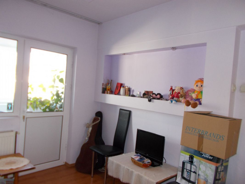 Comision 0 - Apartament 4 camere, decomandat, zona centrala - Moreni